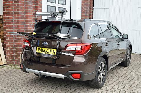 Subaru Outback (BS) Bike carrier in loading position