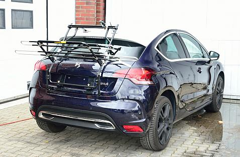 Citroen DS4 Bike carrier in loading position