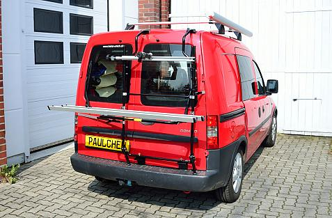 Opel Combo m. Flügeltüren Bike carrier in loading position