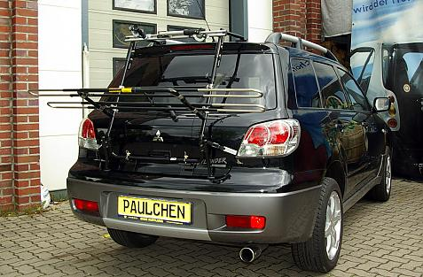 Mitsubishi Outlander Bike carrier in loading position