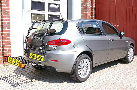 Alfa Romeo 147 Bike carrier in loading position