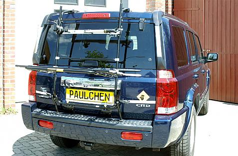 Chrysler Jeep Commander Bike carrier in loading position