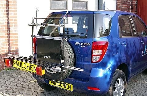 Daihatsu Terios Bike carrier with light bar in loading position